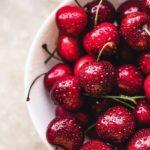 Как вывести пятно от вишни: 7 способов