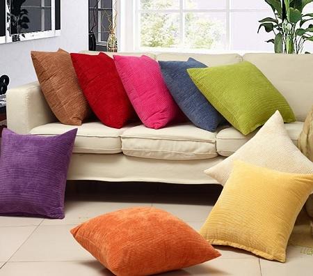 Можно ли стирать диванные подушки в стиральной машине