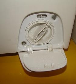 не открывается стиральная машина